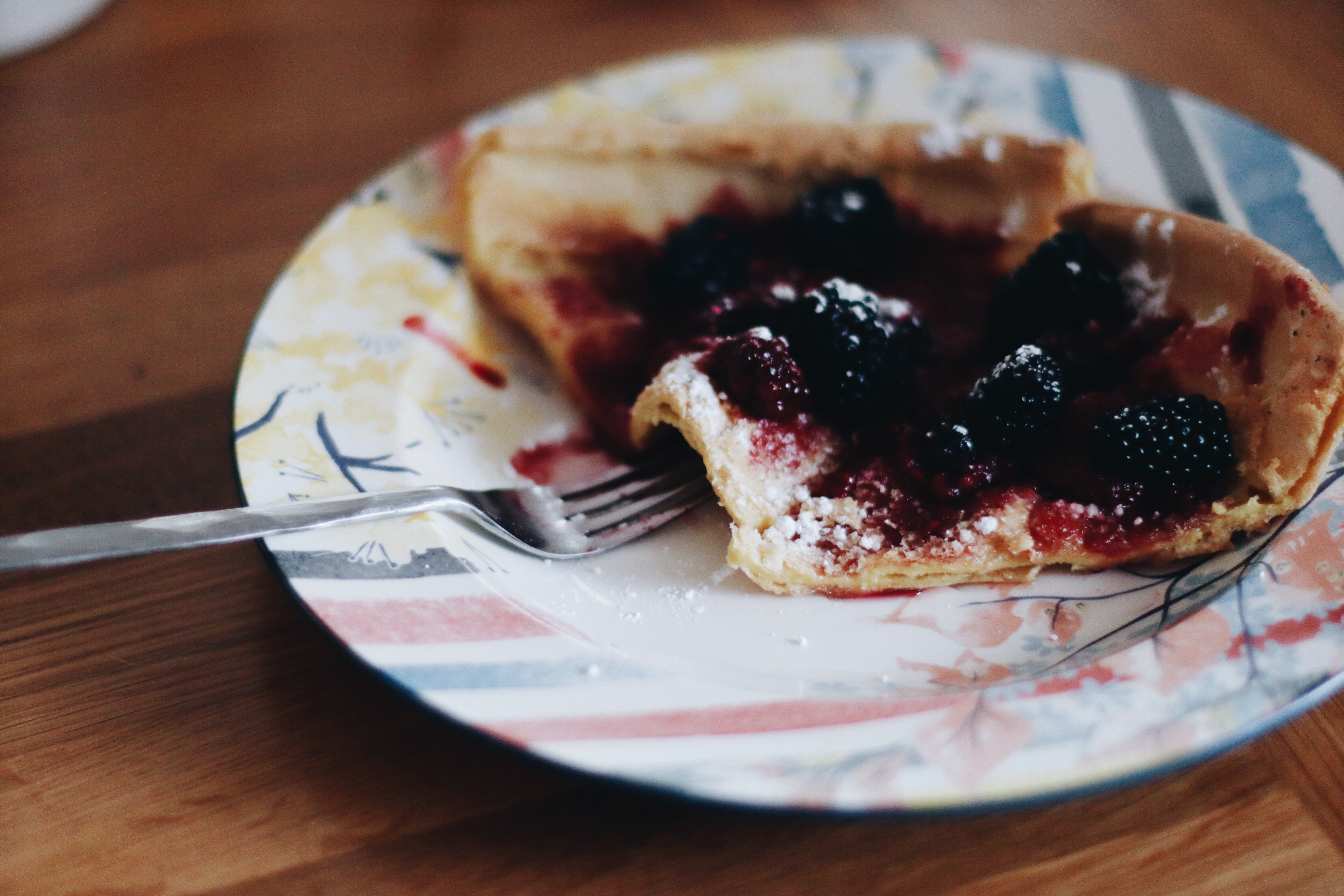 Dutch Baby Pancake with berries and maple syrup